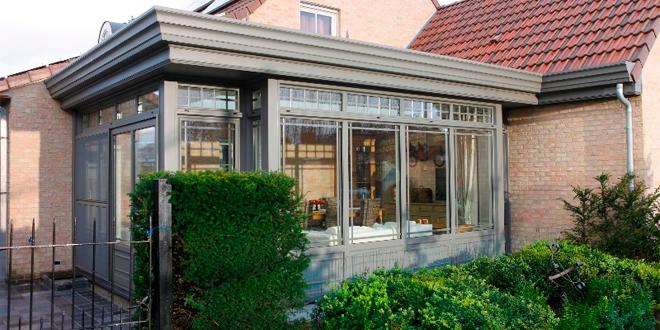 Moet ik kiezen voor een glazen dak of een dicht dak voor for Prijs veranda