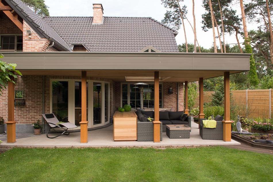 Pergola met platdak en lichtstraat tremelo sds verandabouw - Terras en pergola ...